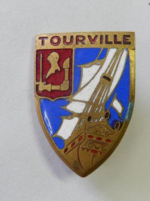 croiseur Tourville Augis   prix :10 euros