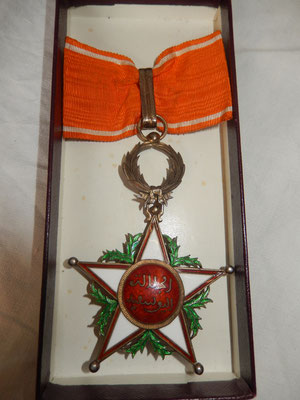 Ordre commandeur Ouissam Alaouite , cravate incomplète , éclat à l'avers à trois heures  .éclat central au revers , vermeil  Prix 180 euros