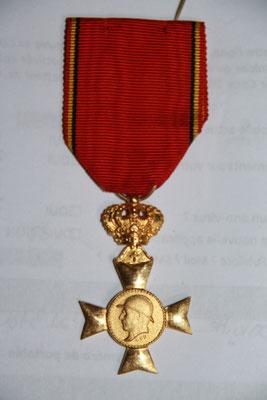 médaille des vétérans du roi Albert  1909- 1934 ..prix 15 euros