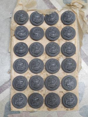 bouton kriegsmarine  Prix:30 euros l'ensemble