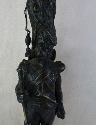 statuette en  bronze par A Leveel