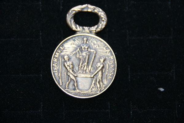 médaille  le matin, la marche de l 'armée 29 mai 1904 sans ruban prix : 45 euros