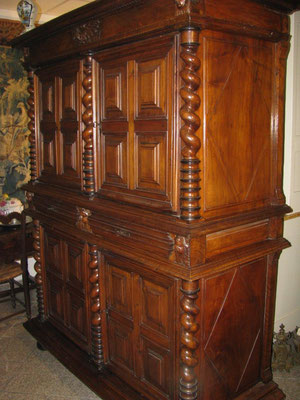 armoires buffets comptoirantiquedebourgogne. Black Bedroom Furniture Sets. Home Design Ideas