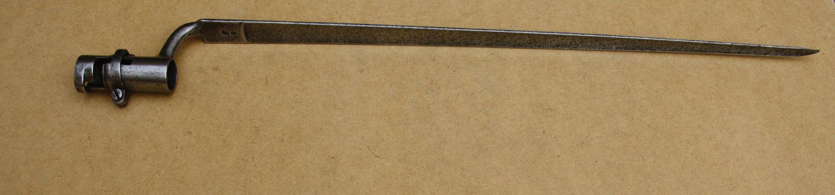 """MANUSCRIT PARISIEN, anonyme de XVIIIe siècle, daté de 1768, intitulé"""" Oeuvres de M. B.. D… dédiées à Madame D… 3 ff., 267 pp., plus un cahier paginé A à Z. Très belle reliure plein maroquin rouge d'époque, dos à nerfs richement orné de caissons avec"""