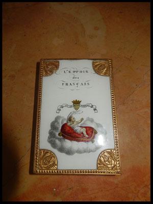 boite fixé sous verre   Duc de Bordeaux