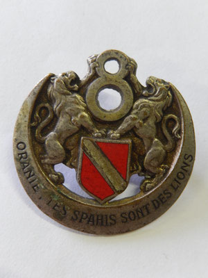 8 regiment de spahis algérien attache ressoudé prix : 15 euros