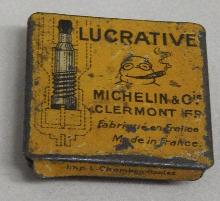boite Michelin lucrative  , avec ses cinq obus    Prix : 15 euros