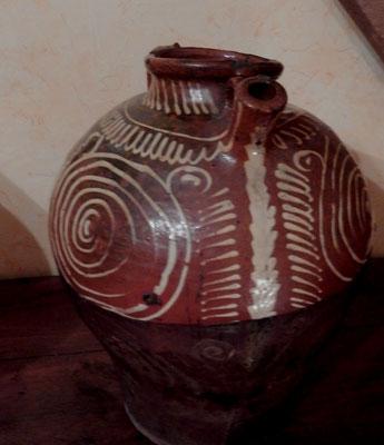 poterie art populaire val de sâone décor ocre