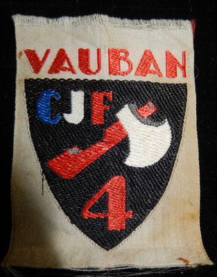 insigne tissu chantier de la jeunesse n°4 Vauban .prix : 10 euros