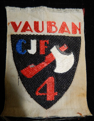 insigne tissu chantier de la jeunesse n°4 Vauban .prix :vendu