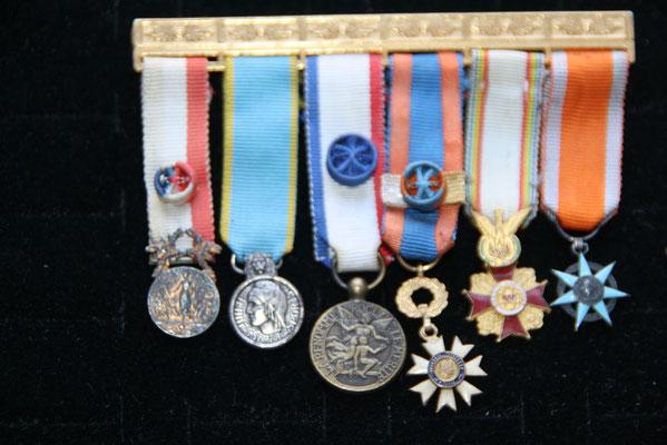 portée de miniature  six  pieces prix:  70 euros