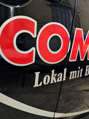folien-fabrik / Commode am Steg / Fahrzeugbeschriftung