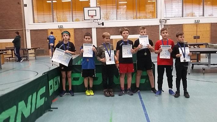 Jungen 11 Doppel, Theo Scalle (2.v.l.), FLorian Pawelzik (3.v.l.)