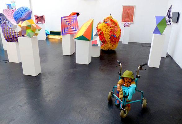Rehberger mit Genzken u.a., presently, Galerie Neugerriemschneider