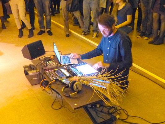 Multimedia-Künstler in Aktion