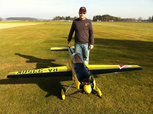 Jochen Bilgeri mit seiner Krill Yak55M 2,6 m mit  DLA 112 und Radialgitter