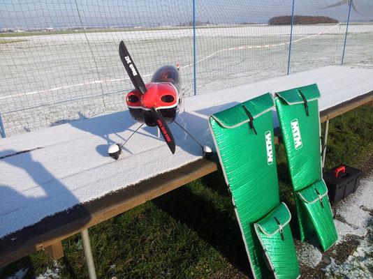 SBACH 342 von Michael Metze ausgestattet mit DLA 56, Propsavern und Flächentaschen