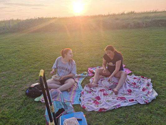 am Ende ein Picknick auf der Wiese