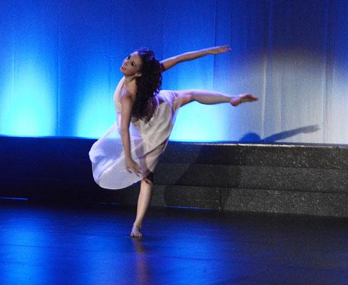 """als Alice-Tanzdouble in """"Wonderland"""" im August '15 (Foto: www.linkefoto.de)"""