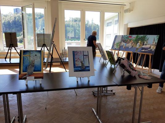 Die Bilder der Ausstellung sind platziert.