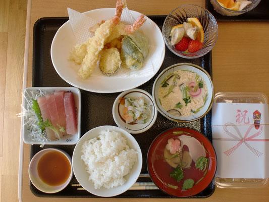 大評判の天ぷら定食です。