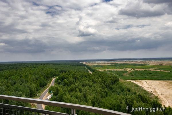 auf dem Aussichtsturm am schweren Berg bei Weisswasser