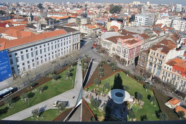 Porto Top 10 Sehenswürdigkeiten - Aussicht vom Glockenturm Torre dos Clérigos