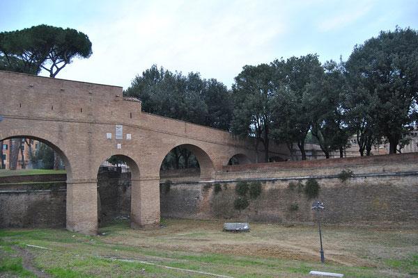 Passetto di Borgo, Geheimgang zwischen der Engelsburg und dem Vatikan (Rom 3 Tage)