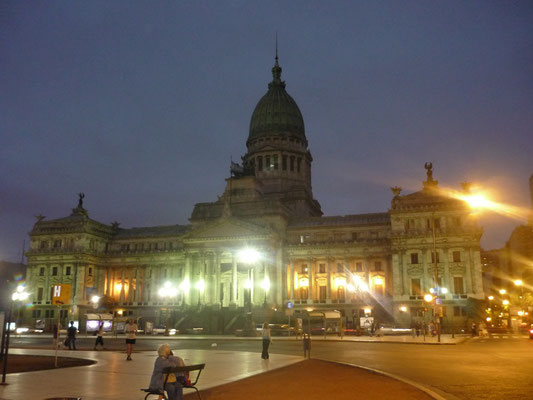 What to see and do in Buenos Aires - Plaza del Congreso