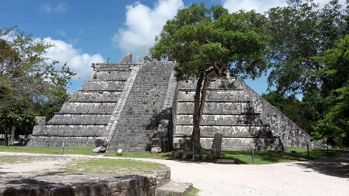 Mayan Ruins of Chichen Itza / Mexico Yucatan
