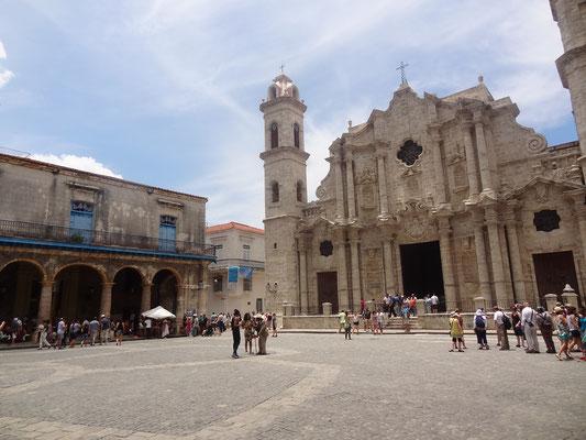 Reiseroute Kuba Mexiko Rundreise und baden - Plaza de la Cathedral Havanna