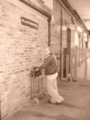 Gleis 9 3/4 Bahnhof Kings Cross / St Pancras - Harry Potter Drehorte London