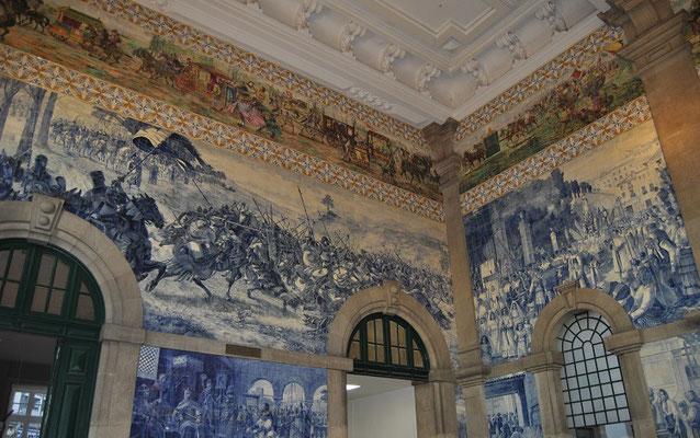 Porto Top 10 Sehenswürdigkeiten - Bahnhof São Bento