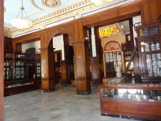 Älteste Apotheke auf Kuba, Drogería Serrá Havanna