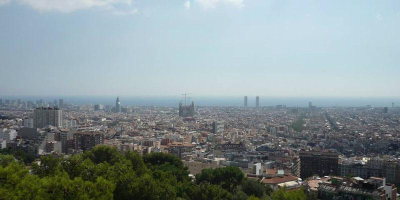 Kurztrip / Städtereise Europa - Barcelona Aussicht vom Parc Güell