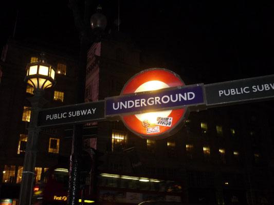 100 Dinge, die man in London machen kann - London bei Nacht