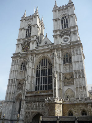 Money saving tips London: Attend services at Westminster Abby