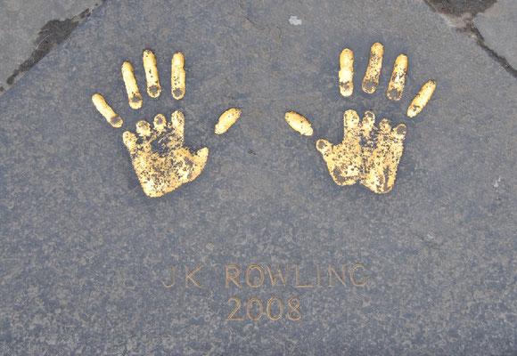 Handabdrücke J.K. Rowling  im Rathaus (City Chambers) in Edinburgh / Harry Potter