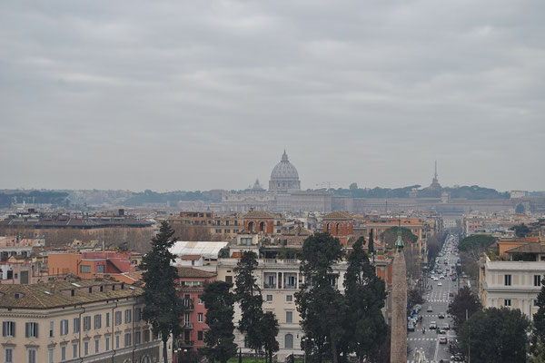 View from Villa Borghese in Rome to Vatican City