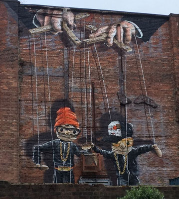 Glasgow Sehenswürdigkeiten Top 10 - Street Art Trail / Hip Hop Marionettes