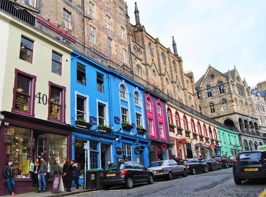 Victoria Street in Edinburgh / Inspiration für die Winkelgasse / Harry Potter
