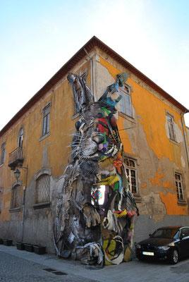 Porto Top 10 Tourist Attractions - Street Art in Vila Nova de Gaia