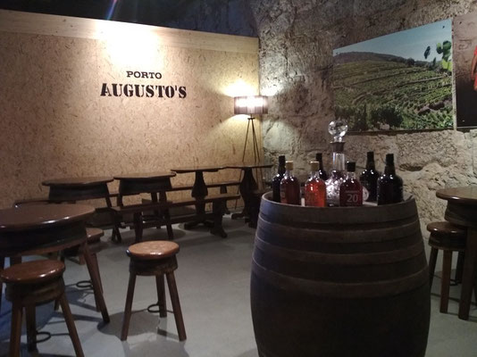 Porto Top 10 Tourist Attractions - Port wine cellar Augustos in Vila Nova de Gaia