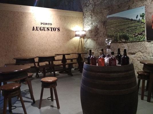 Porto Top 10 Tourist Attractions - Port wine cellar Augustos in Vila Nova de Gaia