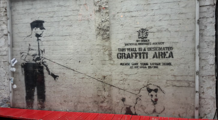 Money saving tips London - street art