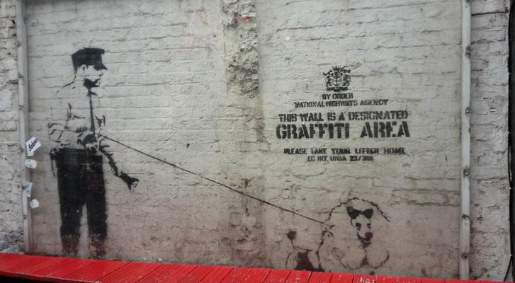 Money saving tips London - street art