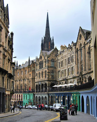 Victoria Street in Edinburgh / Inspiration für die Winkelgasse / Harry Potter