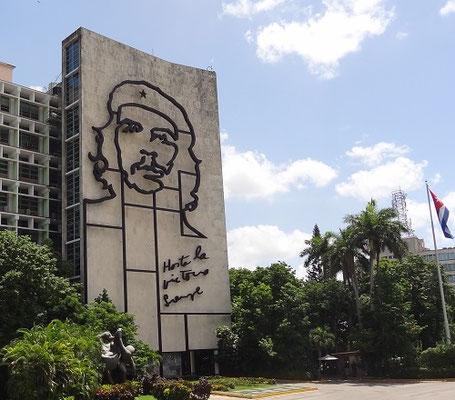 Reiseroute Kuba Mexiko Rundreise und baden - Plaza de la Revolution Havana