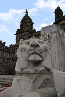 Glasgow - 10 things to see and do - George Square / City Chambers