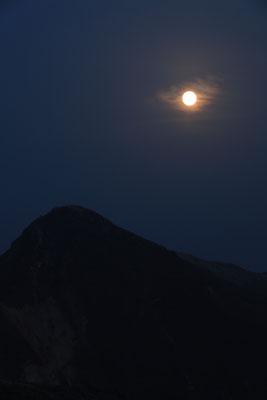 赤い満月と久住山Ⅱ